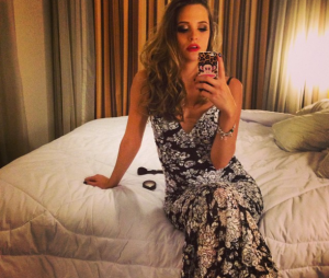 Se Juliana Paiva vai dormir linda desse jeito, imagina quando acorda...