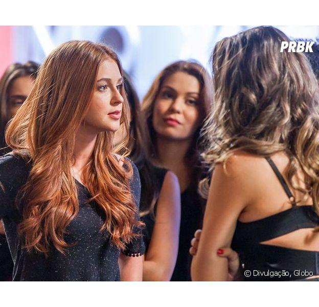 """Em """"Totalmente Demais"""", Eliza (Marina Ruy Barbosa) se vinga de Cassandra (Juliana Paiva) depois que descobre armação"""