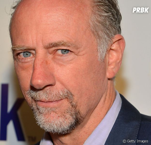 "Em ""The Walking Dead"", Gregory (Xander Berkeley) entrega Rick (Andrew Lincoln) e perturba Maggie (Lauren Cohan)!"