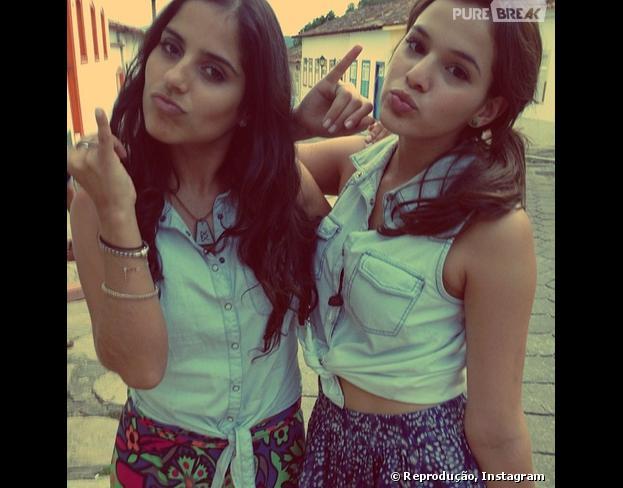 """Camilla Camargo, estreante de """"Em Família"""", comenta sobre amizade com Bruna Marquezine: """"Super talentosa, carismática, querida, merece todo o sucesso do mundo"""""""