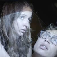 """Novela """"Malhação"""": Filipe (Francisco Vitti) e Nanda ficam no carro e são pegos pela polícia!"""