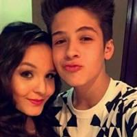 Larissa Manoela e João Guilherme Ávila comemoram 4 meses de namoro com postagens no Snapchat