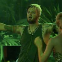 """No """"BBB14"""": Cássio domina festa e Angela fala para Aline que Tatiele é """"periguete"""""""