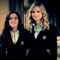 """Novo trailer de """"Vampire Academy"""" apresentado por Zoey Deutch e Lucy Fry"""