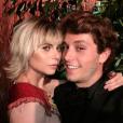 """Julianne Trevisol, de """"Totalmente Demais"""", namora o também ator Christian Monassa"""