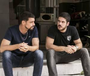 """Em """"A Regra do Jogo"""": Dante (Marco Pigossi) e Juliano (Cauã Reymond) viraram grandes amigos"""