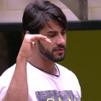 """Do """"BBB16"""", Renan vive de confusão com Ana Paula, aliada de Ronan no reality show da Globo"""