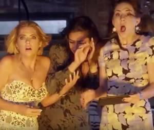 """Em """"Pretty Little Liars"""", Aria (Lucy Hale), Spencer (Troian Bellisario) e meninas são surpreendidas por fogo na casa!"""