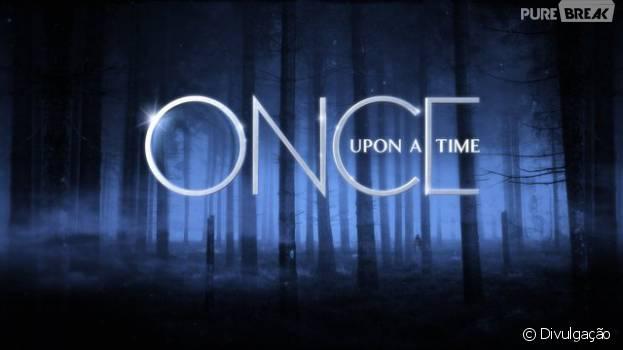 "Em ""Once Upon a Time"", Emma (Jennifer Morrison) procura Hook (Colin O'Donoghue) no submundo!"