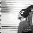 """Recentemente, Ariana Grande liberou a versão de estúdio da música """"Be Alright"""""""