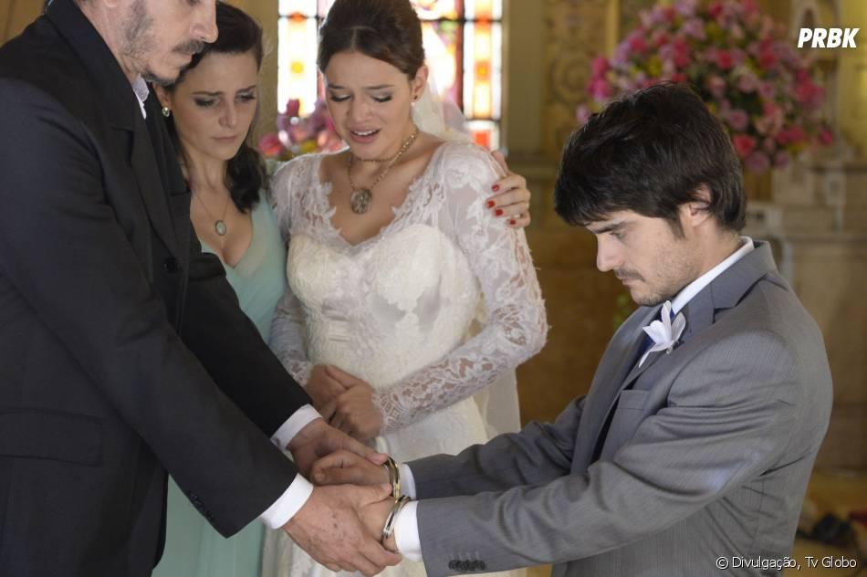 """Cena da novela """"Em Família"""", Laerte (Guilherme Leicam) sendo preso em seu casamento com Helena (Bruna Marquezine)"""