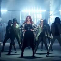 """Meghan Trainor sensualiza no clipe """"NØ"""" e arrasa com muita dança no vídeo do single"""