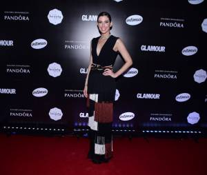 A it girl Camila Coutinho passou pelo tapete vermelho do Prêmio Geração Glamour
