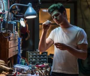 """Andrew Garfield é o herói aracnídeo em """"O Espetacular Homem-Aranha 2"""""""