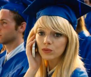 """Gwen Stacy (Emma Stone) desconfia de Peter Parker (Andrew Garfield) em """"O Espetacular Homem-Aranha 2"""""""