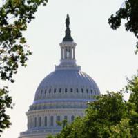 Nos Estados Unidos: Tiroteio e perseguição causa pânico no Congresso