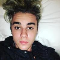 Justin Bieber se incomoda com reação de fãs após ter carro cercado e pede respeito aos beliebers!