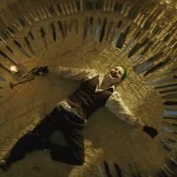 """Jared Leto, de """"Esquadrão Suicida"""", revela ter praticado a risada do Coringa nas ruas!"""