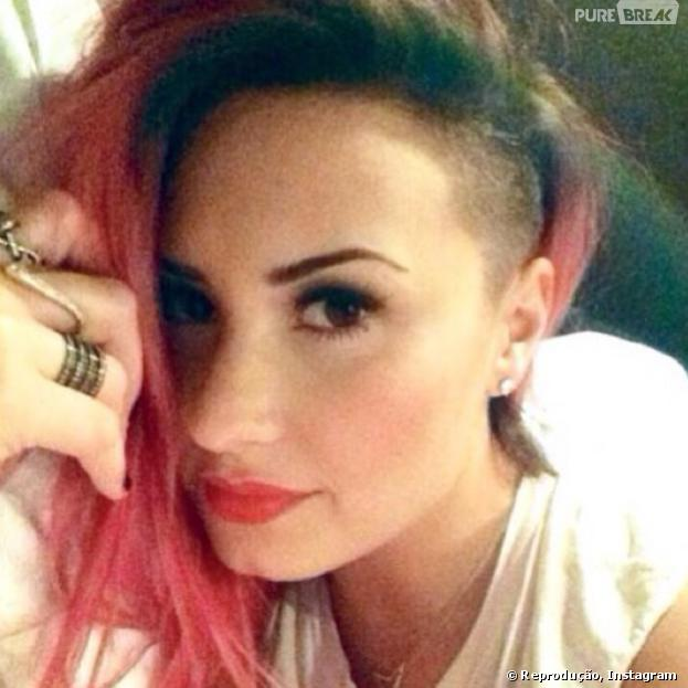 "Demi Lovato raspou a cabeça para a ""The Neon Lights Tour"""