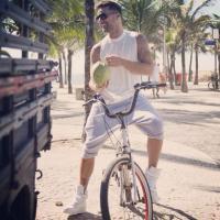 Ricky Martin grava clipe da Copa do Mundo nas praias do Rio de Janeiro