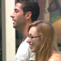 """No paredão do """"BBB14"""": Marcelo e Aline se emocionam ao verem suas mães"""