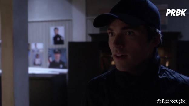 """Ezra (Ian Harding) foi revelado como suposto 'A' em """"Pretty Little Liars""""! Chocou!"""