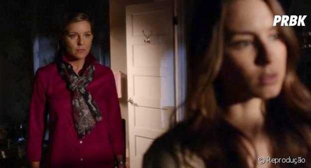 """O que foi a Senhora DiLaurentis (Andrea Parker) no quarto da Spencer (Troian Bellisario) em """"Pretty Little Liars""""? MEDO!"""