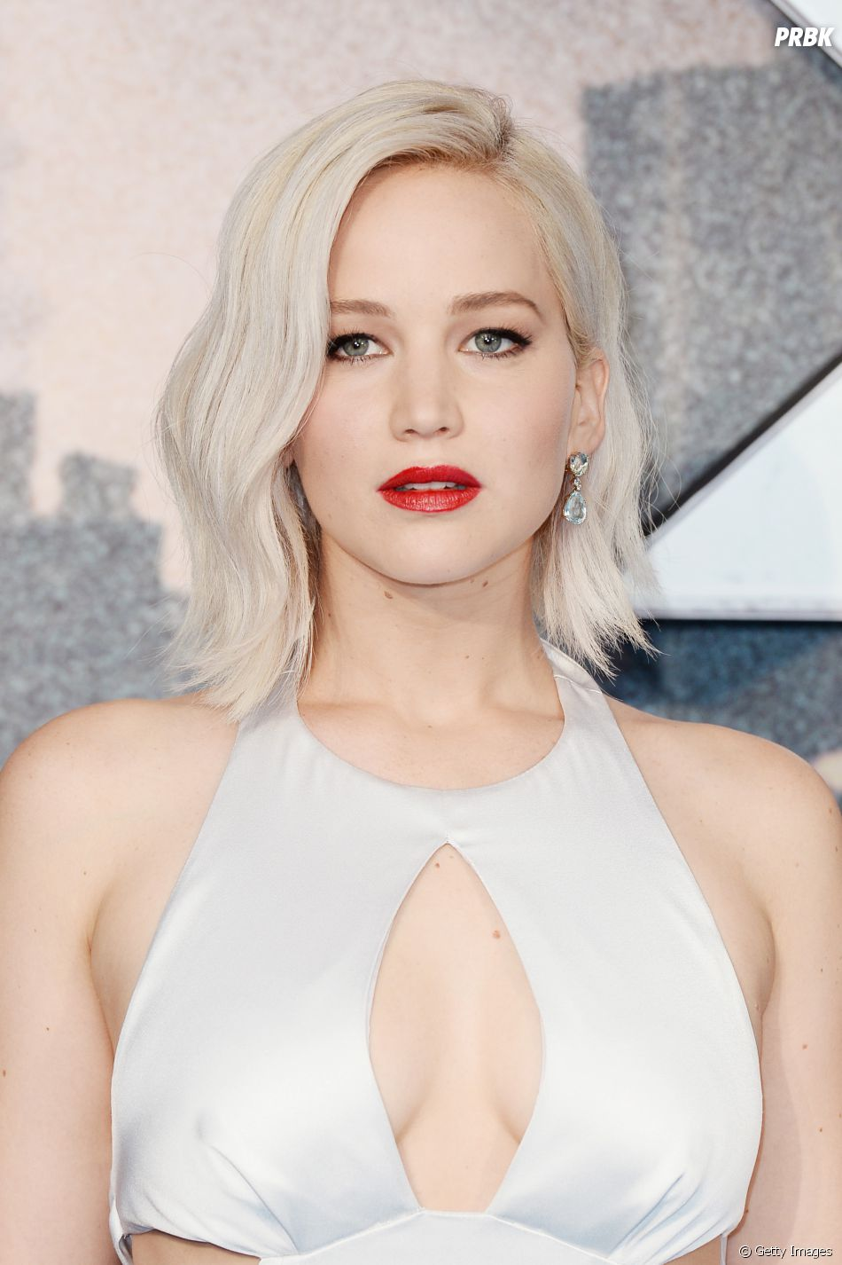 ab031c444b5fa Jennifer Lawrence fica incrível com esse tom de loiro, não é mesmo ...