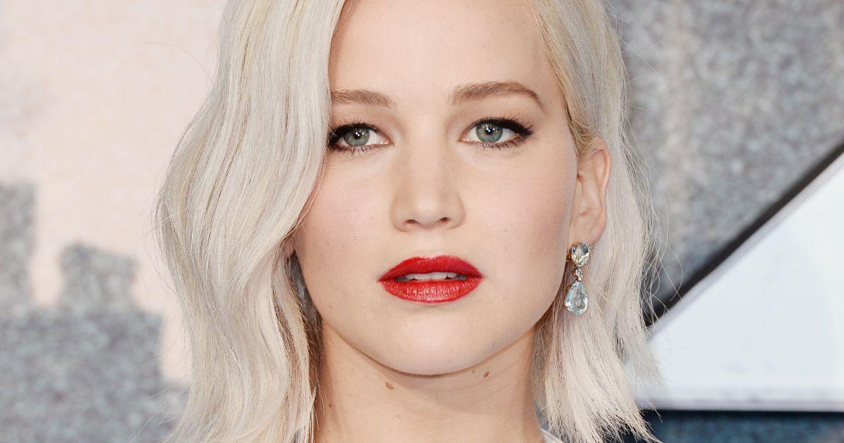 e14a8c86c8cbb Jennifer Lawrence fica incrível com esse tom de loiro, não é mesmo  -  Purebreak