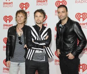 """Muse começa a noite com o hit """"Supermassive Black Hole"""""""