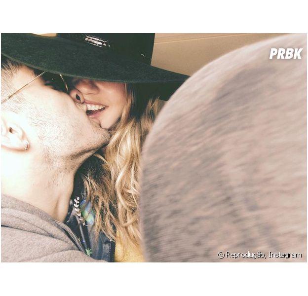 Zayn Malik e Gigi Hadid posam em foto romântica publicada no Instagram da modelo