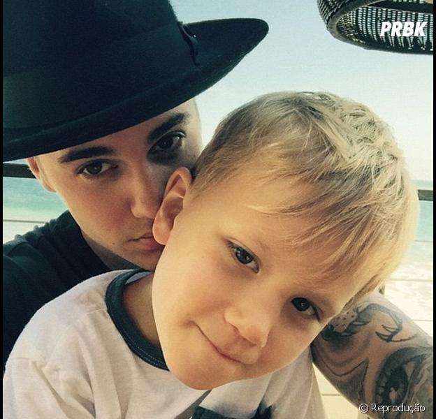 Justin Bieber publica vídeo do irmãozinho dançando e cantando e fãs piram