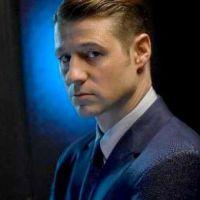 """Em """"Gotham"""": na 3ª temporada, Gordon (Ben McKenzie) pode se transformar em Batman!"""
