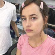 """Dakota Johnson, de """"50 Tons Mais Escuros"""", aparece sem maquiagem e ganha elogios no Instagram!"""