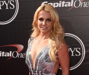 Britney Spears nega ter conhecido Taylor Swift para evitar dizer se prefere a cantora ou Katy Perry