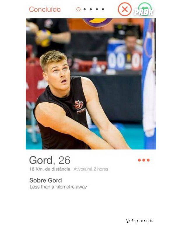 Nas Olimpíadas, John Gordon Perrin está buscando o ouro no vôlei!