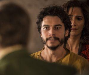 """Em """"Velho Chico"""",Tereza (Camila Pitanga) e Martim (Lee Taylor) enfrentam Afrânio (Antonio Fagundes)"""