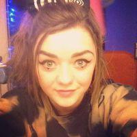 """Da série """"Game of Thrones"""": Maisie Williams, a Arya, e seus cliques do Instagram"""