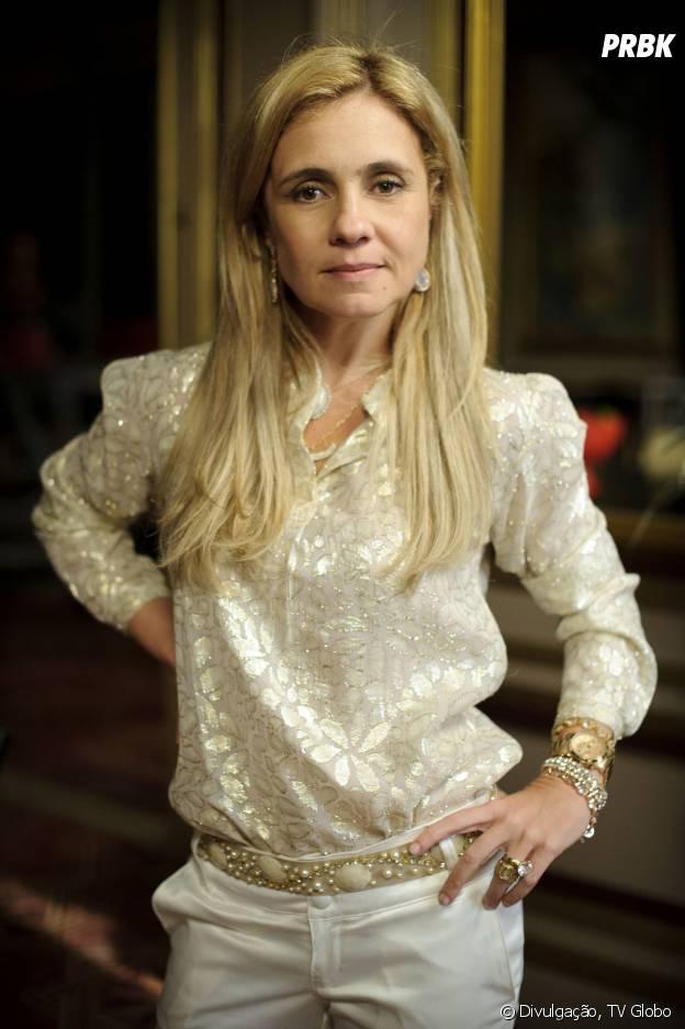 """A Carminha (Adriana Esteves) deu fim em todos que se metiam no seu caminho, se ferrou e terminou bem """"Avenida Brasil"""" (2012)"""