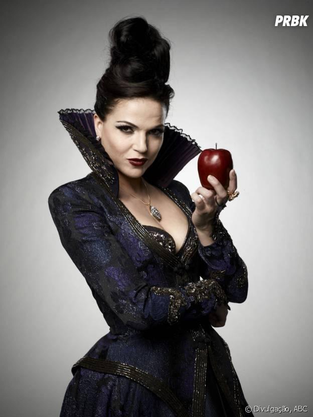 """A Regina (Lana Parrilla) tá sempre arranjando gente pra se vingar e quando ela dá um ponto final é final mesmo em """"Once Upon a Time"""""""