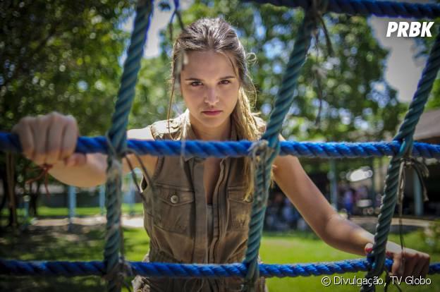 """Em """"Além do Horizonte"""", Lili (Juliana Paiva) tá enganando todo mundo da Comunidade para se vingar de suas maldades"""