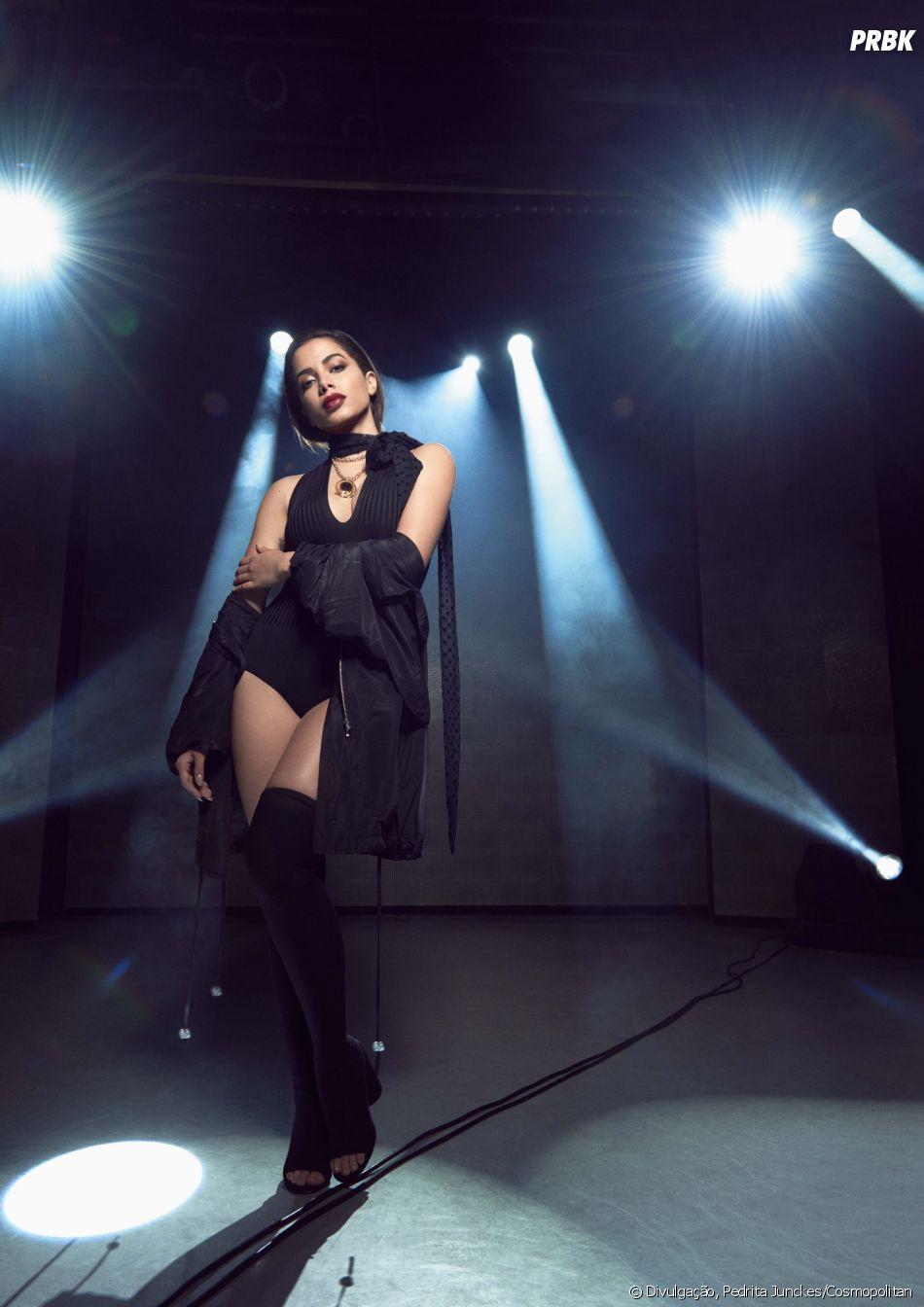 Anitta fala sobre parentes interesseiros em entrevista à Cosmopolitan