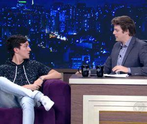 """Christian Figueiredo relembra 1ª vez trágica e traumas da adolescência no """"Programa do Porchat"""""""
