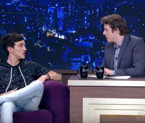 "No ""Programa do Porchat"", Christian Figueiredo comenta disputa entre youtubers"