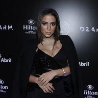 Anitta posta foto no Instagram e exibe o corpão fazendo pose sexy de biquíni!