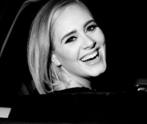 """Adele ganha o segundo certificado de diamante da carreira com o CD """"25"""""""
