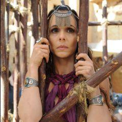 """Novela """"A Terra Prometida"""": Raabe é capturada por Kalesi e acaba presa em uma gaiola!"""