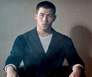 """Nick Jonas, do hit """"Close"""", posa para revista Confidential e abre o jogo sobre fim de namoro"""