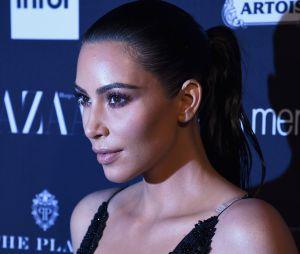 Dois homens armados fizeram Kim Kardashian de refém em seu quarto de hotel em Paris
