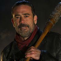 "De ""The Walking Dead"", na 7ª temporada, Jeffrey Dean Morgan é xingado por fã: ""Mostrou dedo do meio"""